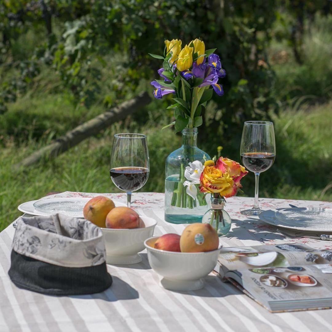 Hoje colocamos a mesa com nossos amigos @pineapplexpressdeco Você se inscreveu? .....