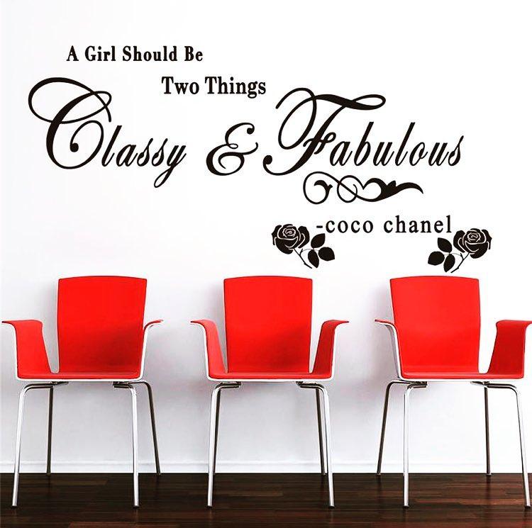 Uma garota deve ser duas coisas. Elegante e Fabuloso ~ Coco Chanel . . . #decoração de casa...