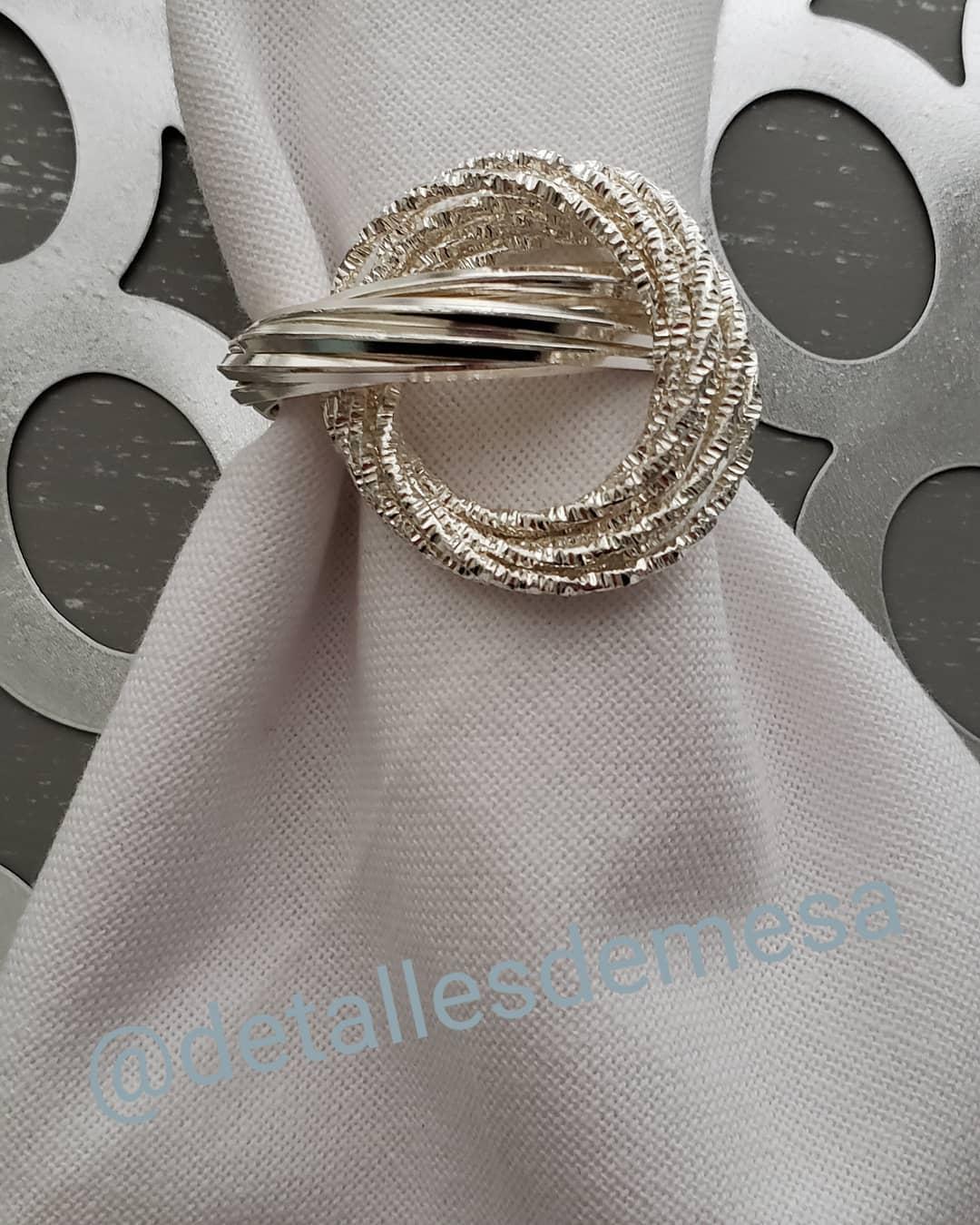 Beleza de porta-guardanapos de metal prateado. #portaservilletas #serville ...