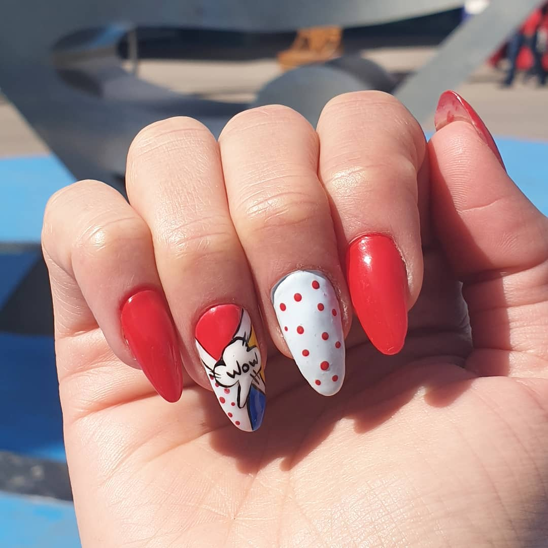 Decoração de quadrinhos #warnerbros #pregos profissionais # decoraciondeuñas #nails #co ...