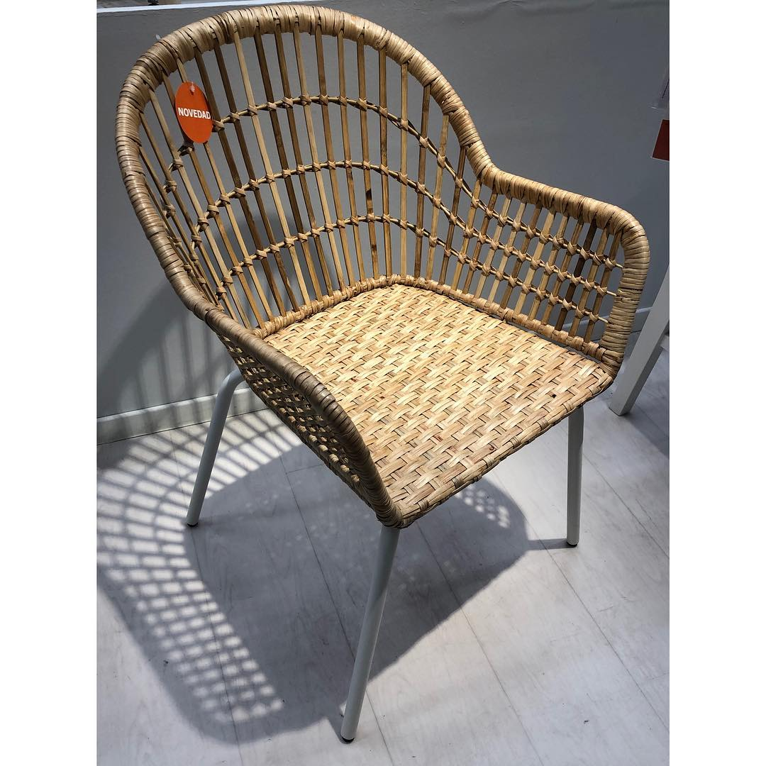 Esta cadeira da IKEA é levar isso em conta !!! @ikeaspain #sillas #silascoc ...