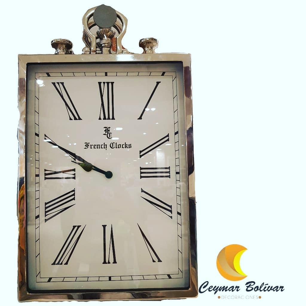 Relógio de parede médio cor de ouro! Remessas nacionais e locais. Informação: ...
