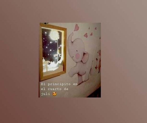 Nossa foto do Pequeno Príncipe no quarto de Julia. #cuadroconluz #cajadelu ...