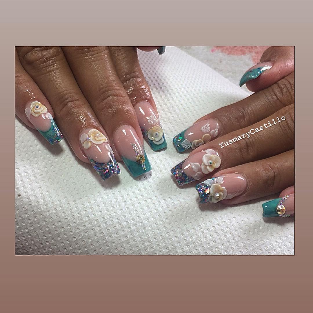 Agradando os clientes !!! Feliz com as unhas @lucia # ... ... pregos ...