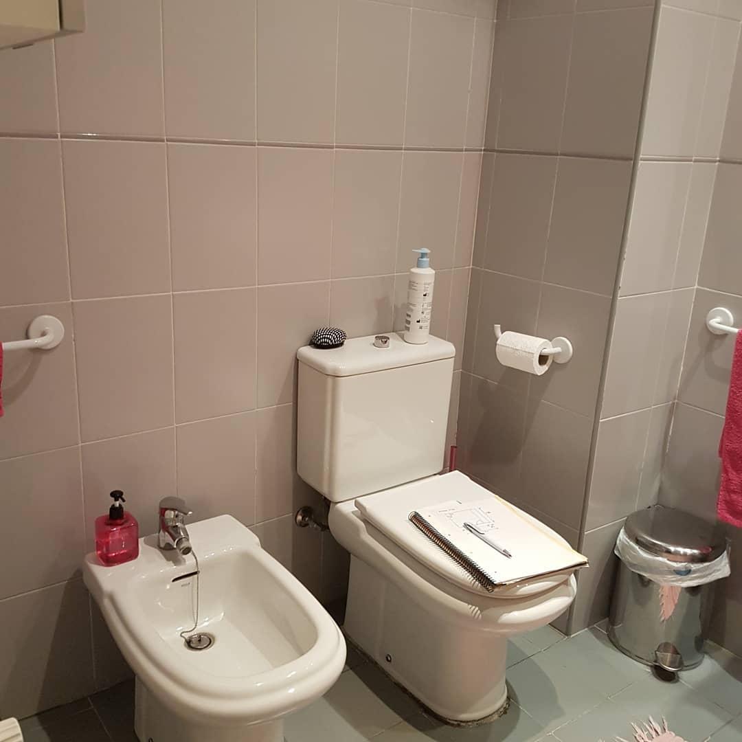 T R A B A J O S . | ANTES | A reforma deste banheiro não foi o único ...