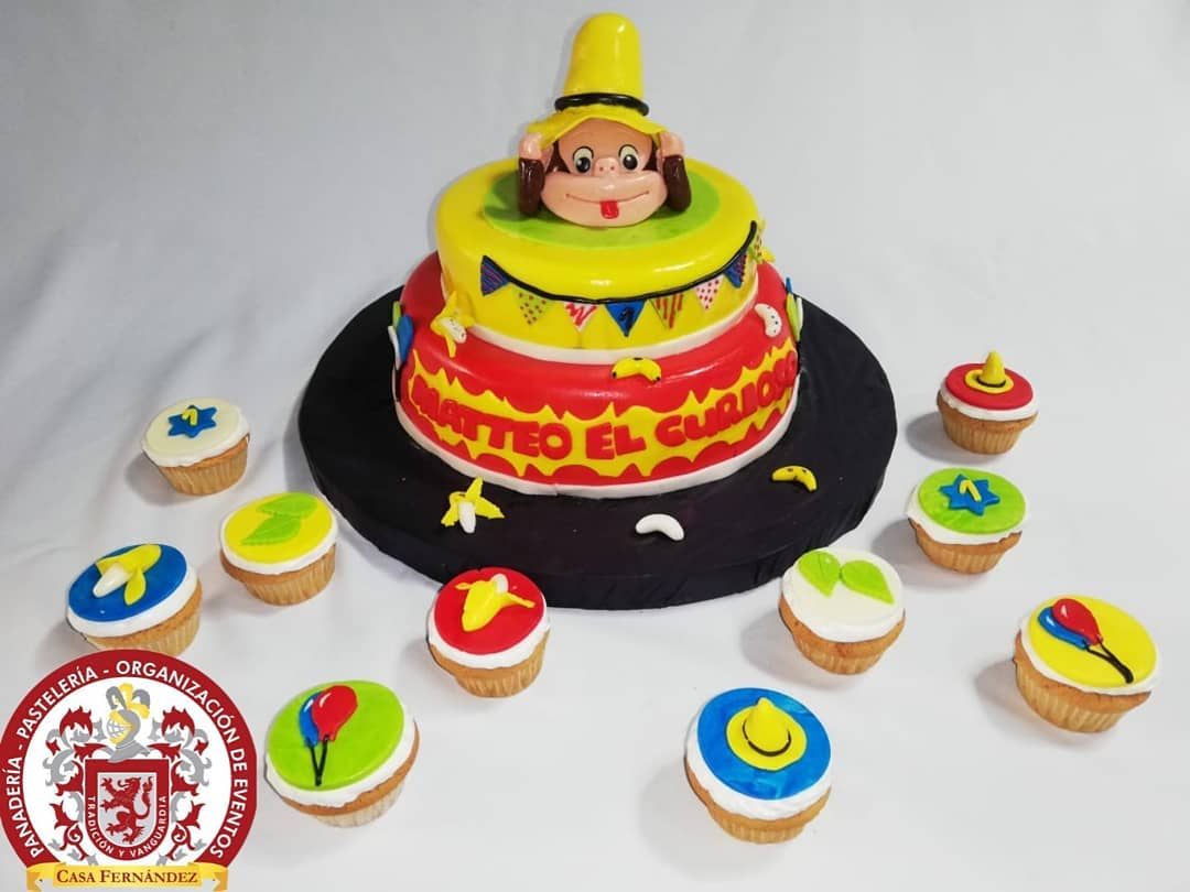Bolos e cupcakes decorados . . Contate-nos 8328240 . . . . #CasaFernandezPopay ...