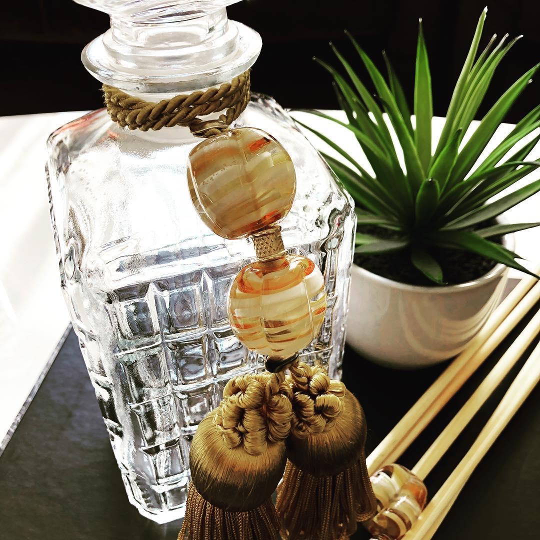 Nosso perfumeiro é uma peça feita sob encomenda, peça o seu através dos nossos c...