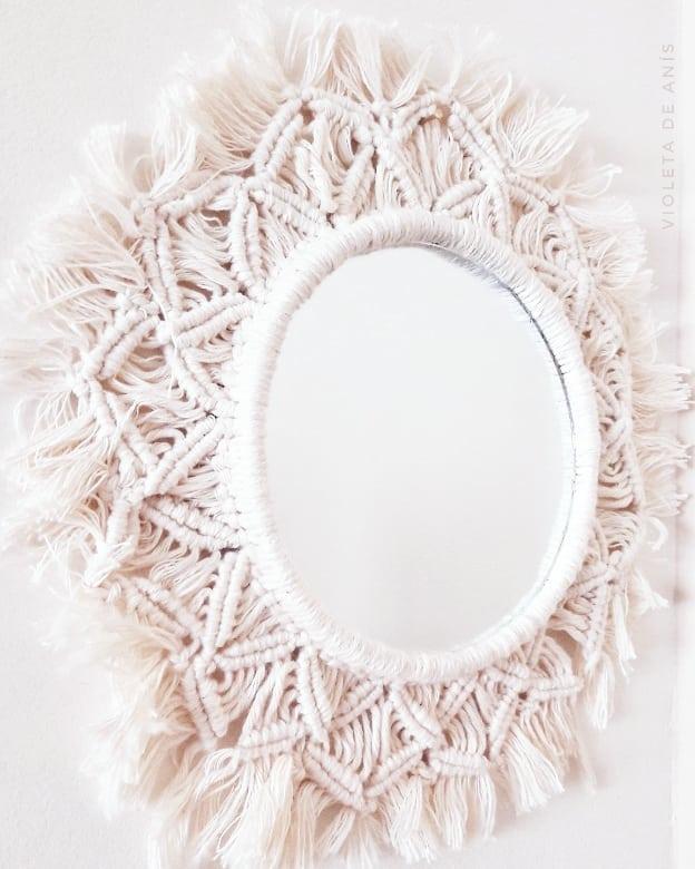 Aqui está o meu espelho de macramê. Melhor ou pior, o fato é que desde que eu vi em ...
