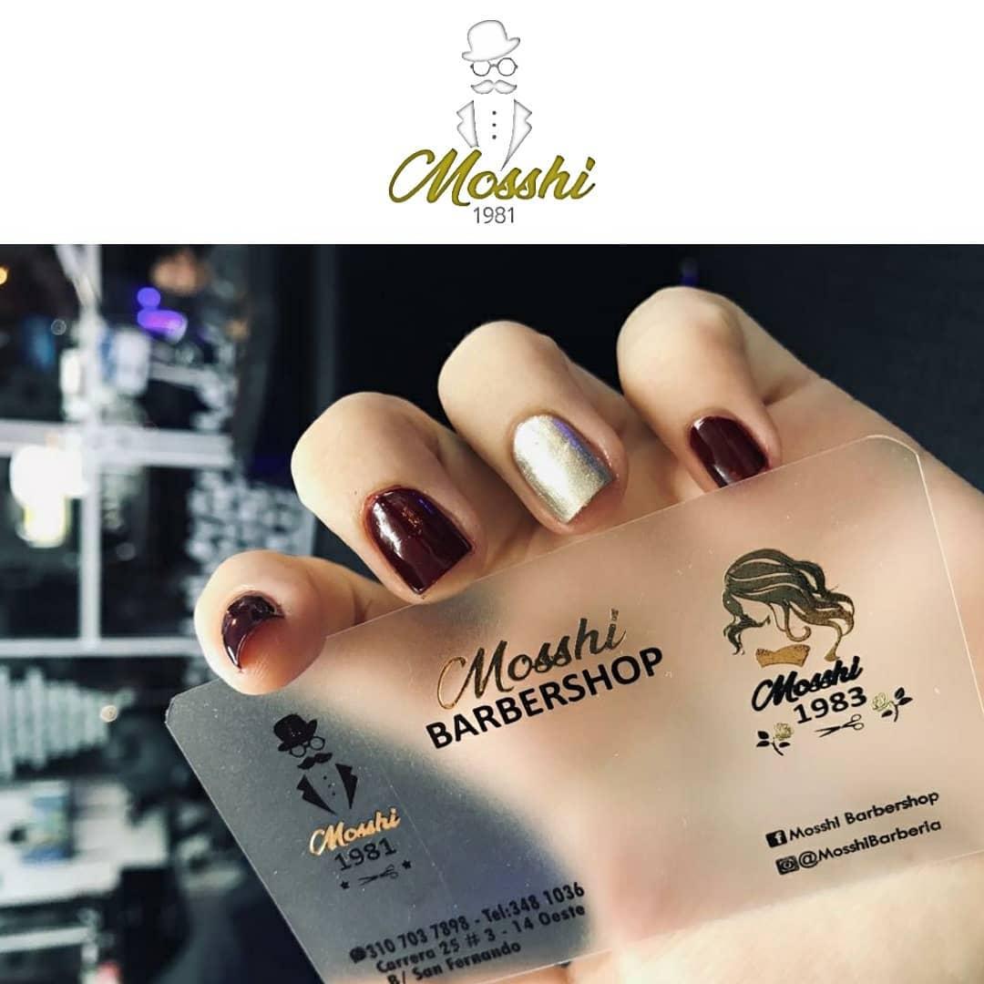 Suas unhas seu estilo, ao seu gosto apenas em #Mosshibarberia . . Você pode reservar t ...