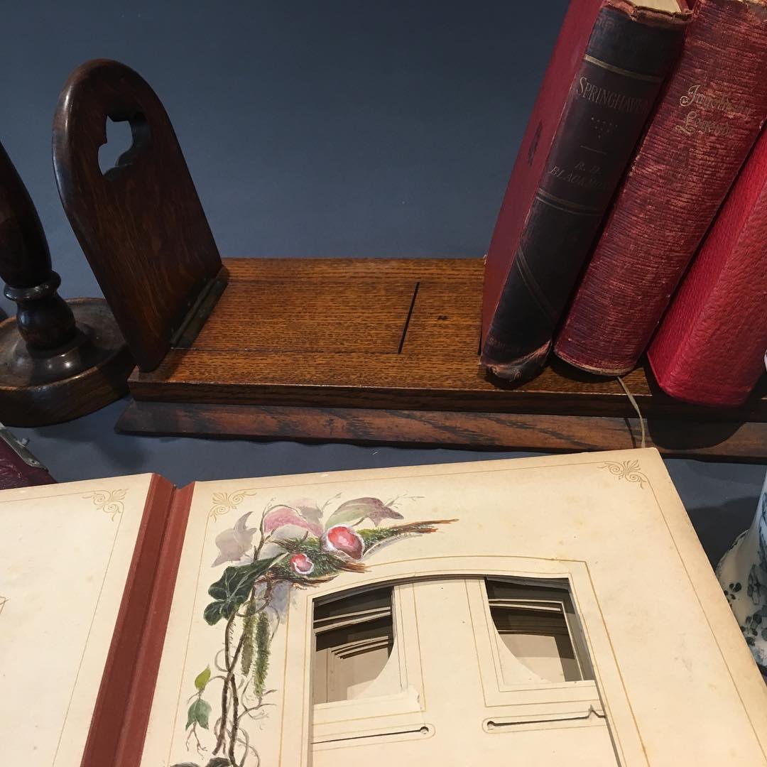 ..Albunes que um dia alguém cheio de fotos, leia muito livros .., usei coisas ...