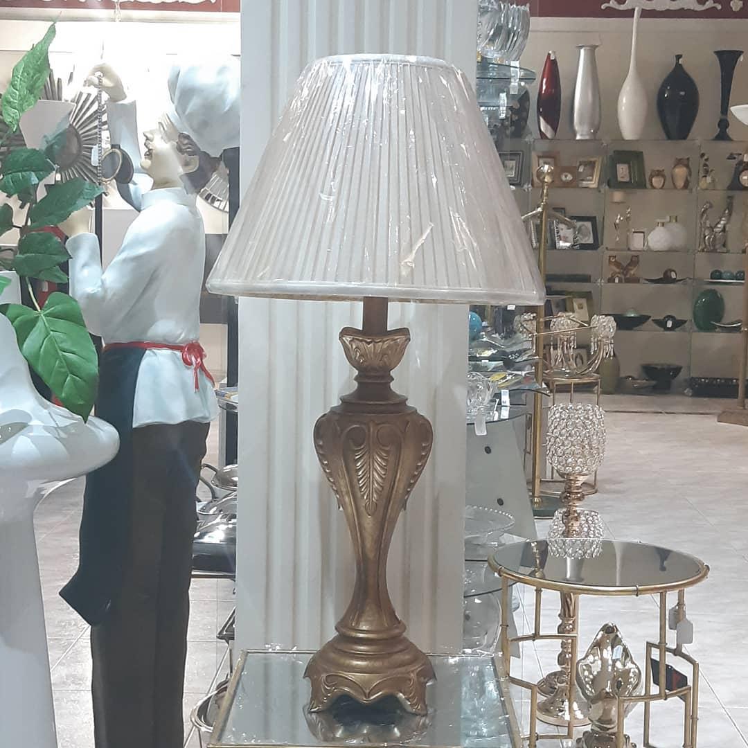Lampada de mesa  Informação: 3214626898/3153249399 101 Street # 71-27 Bogotá D ....