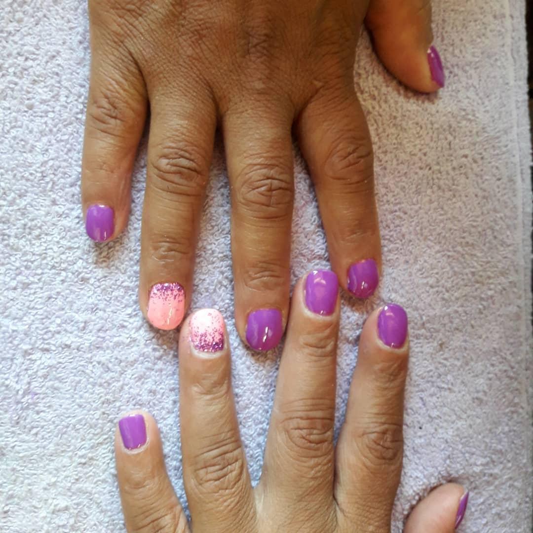 Esmaltado semi para Vale  . . #barilochee #brc #nails  #esmaltepermanente #melin...