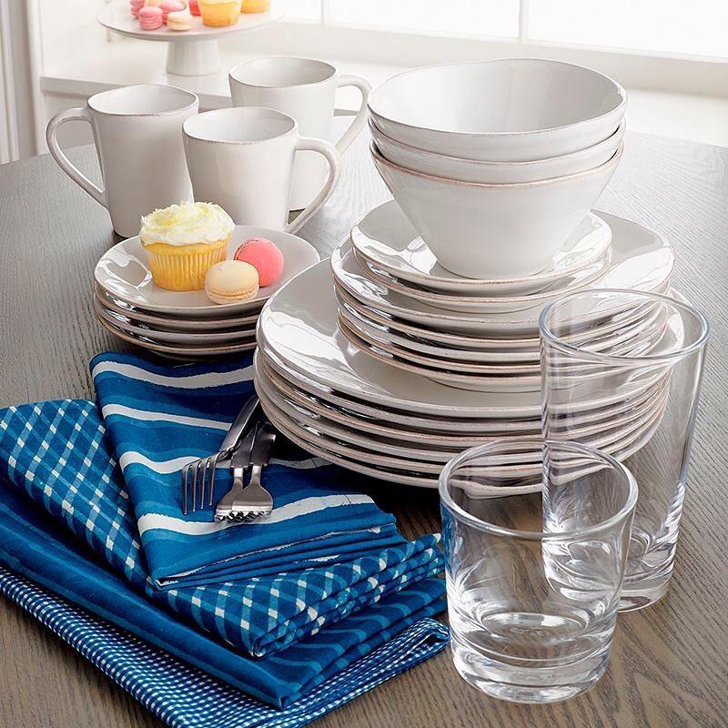Você planeja uma refeição especial? Uma louça de porcelana é uma das nossas favoritas ...