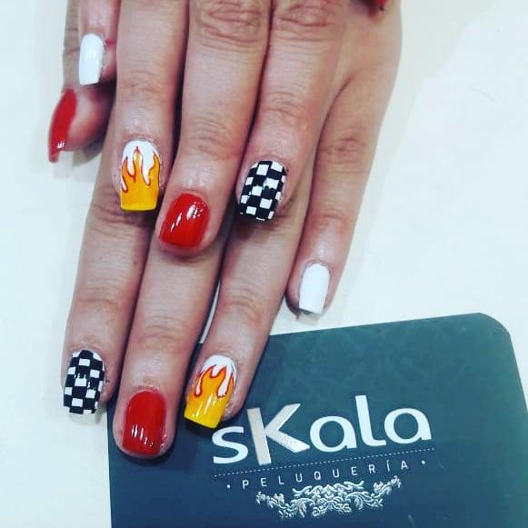 #skalapeluqueria # uñasdecoradas # uñasbogotá # decoraciondeuñas #manicuristas #moo ...