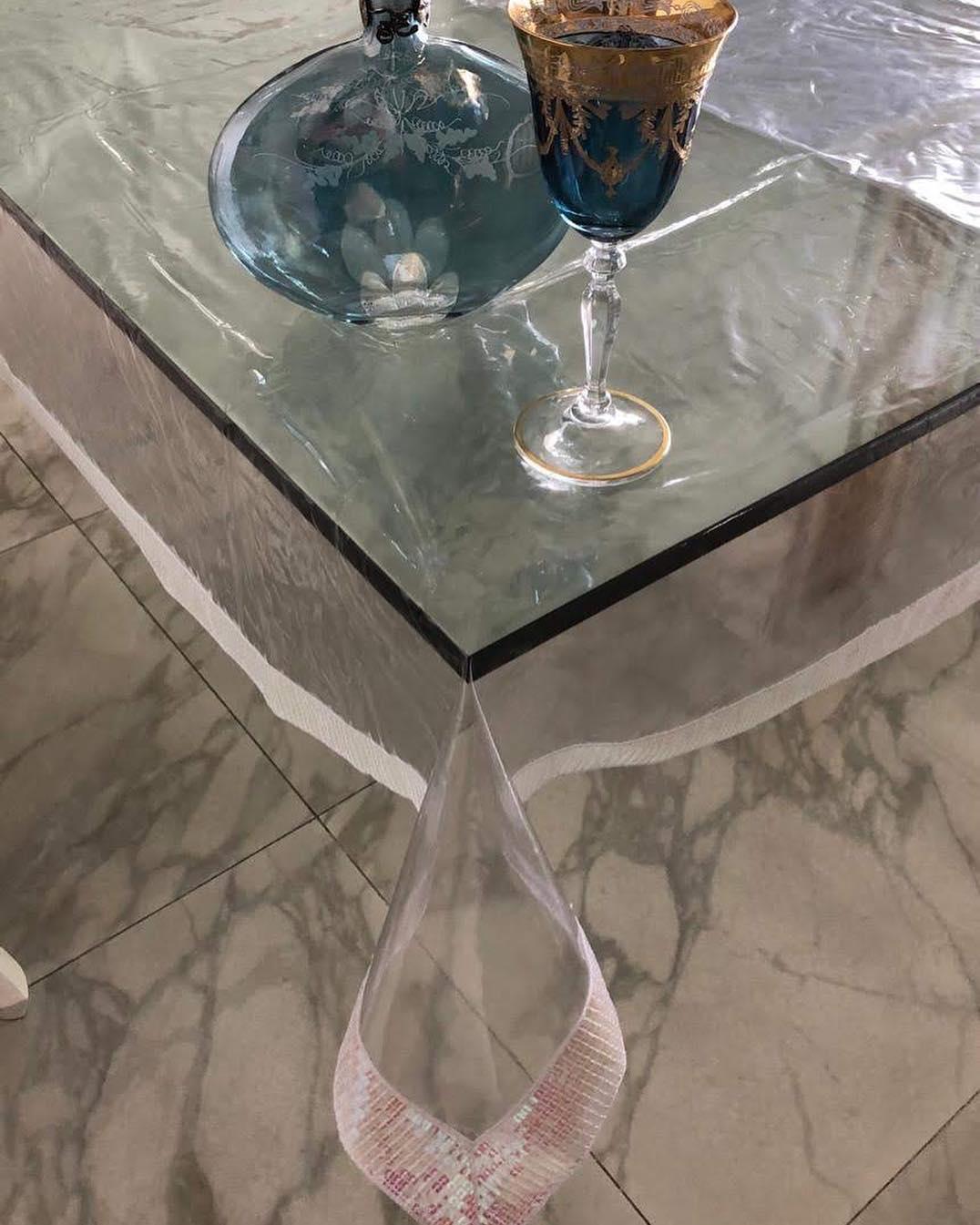 • Inovador e Original Proteja suas toalhas de mesa com o nosso vidro transparente e você ...