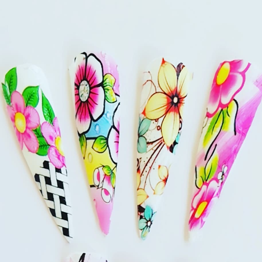 Uma beleza de desenhos  Folhas de gel, nail art, para todos os tipos de trabalhos ...