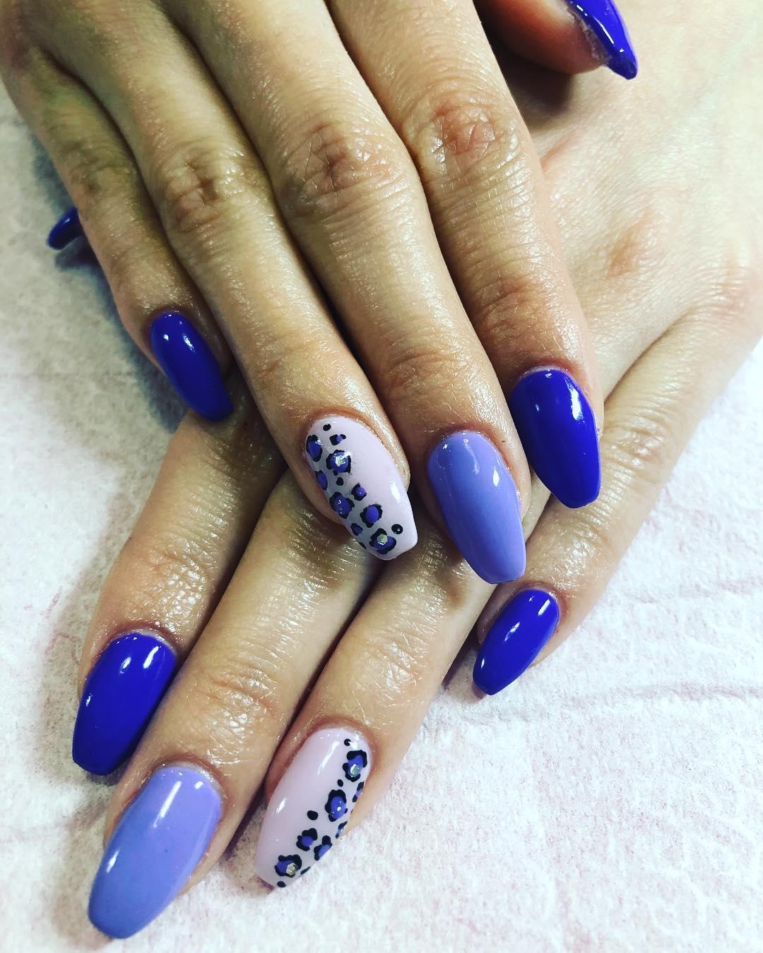 Semi-permanente com decoração # decoraciondeuñas #lescala # unhas #costabrava # unhas ...