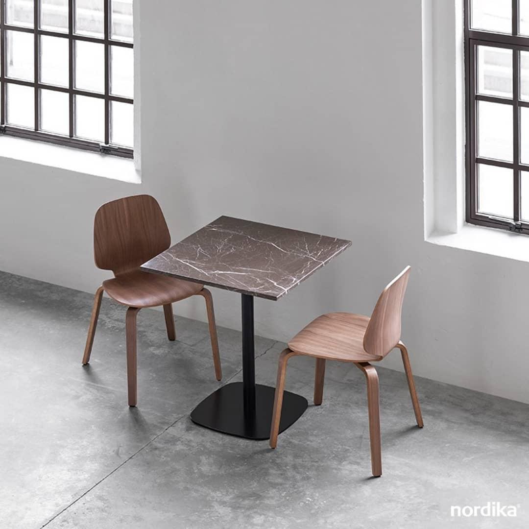 Quem disse que o mármore só é usado por móveis clássicos? Normann Copenhagen ...