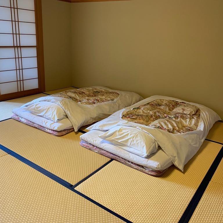 Uma casa japonesa, ao contrário do que estamos acostumados. # homedesign # interior ...