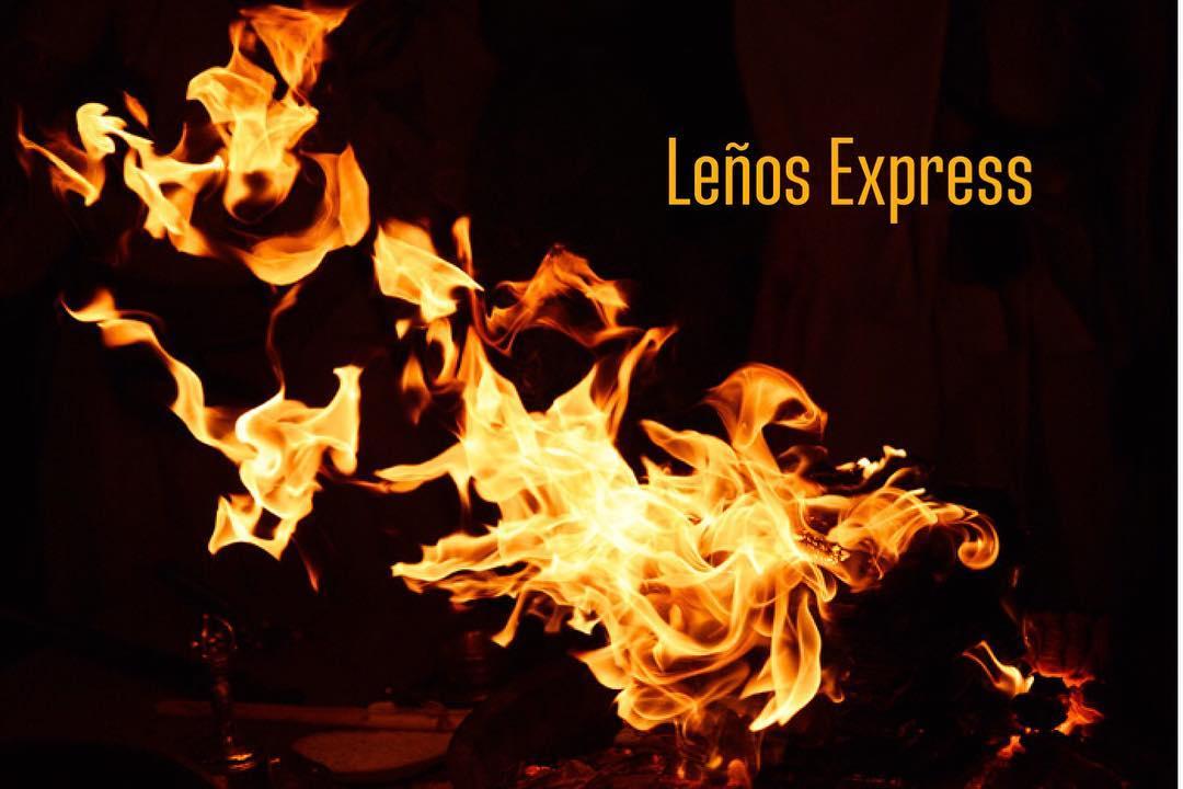 Logs expressos Especialistas em fogo e produtos defumados www.leña.com.co. # madeira ...