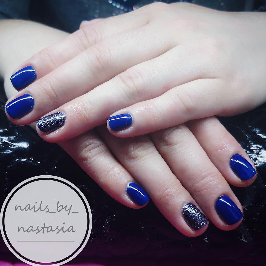 Unhas azuis Minha cor favorita Você gosta disso? Esperamos por você no nosso centro de bel ...