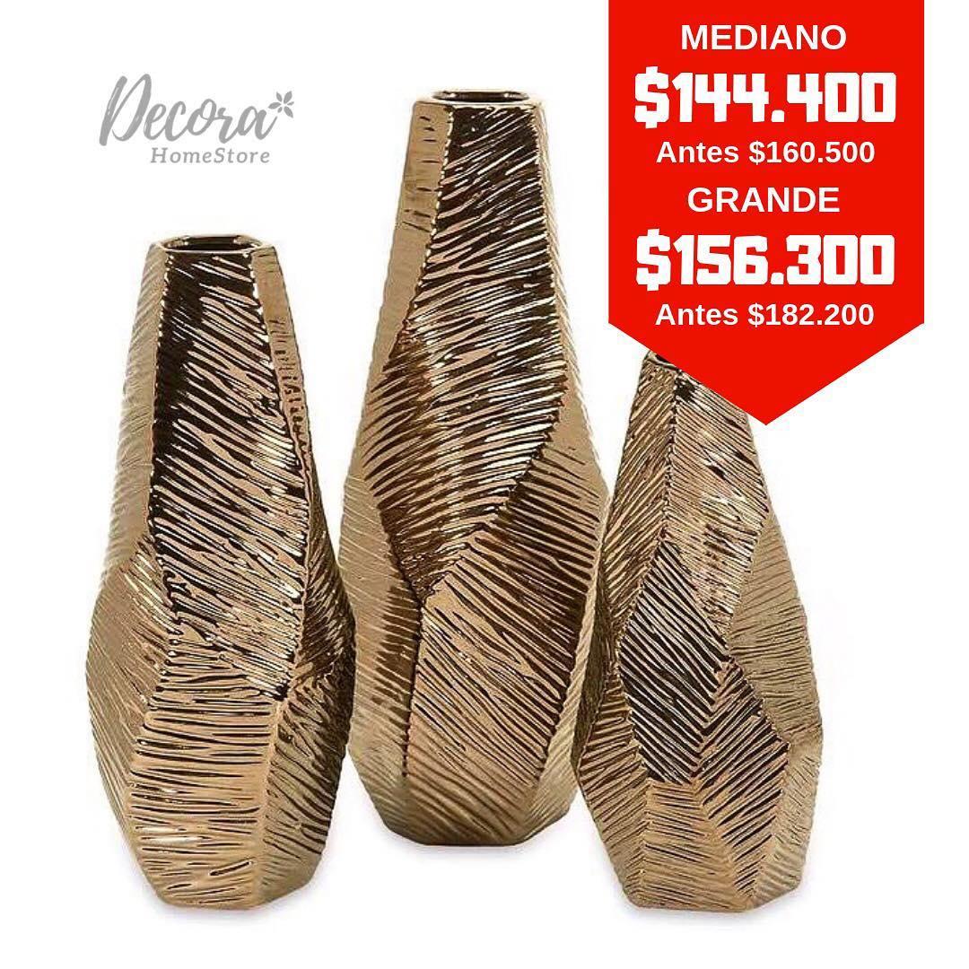 * VENDA * A textura única e sensação metálica destes vasos geométricos dá ...