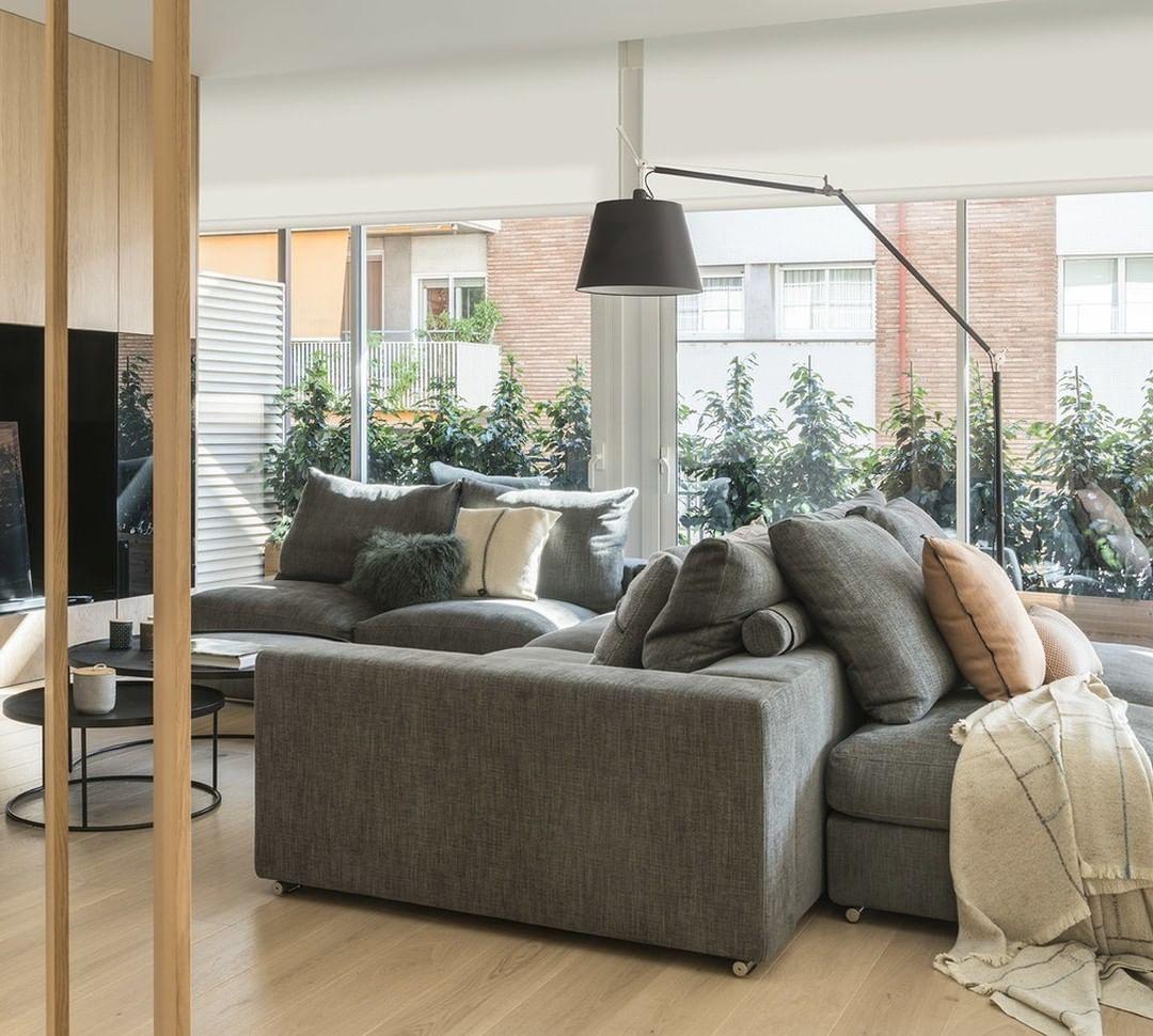 Se você tem luz natural, aproveite ao máximo. Neste apartamento, a #reforma d ...