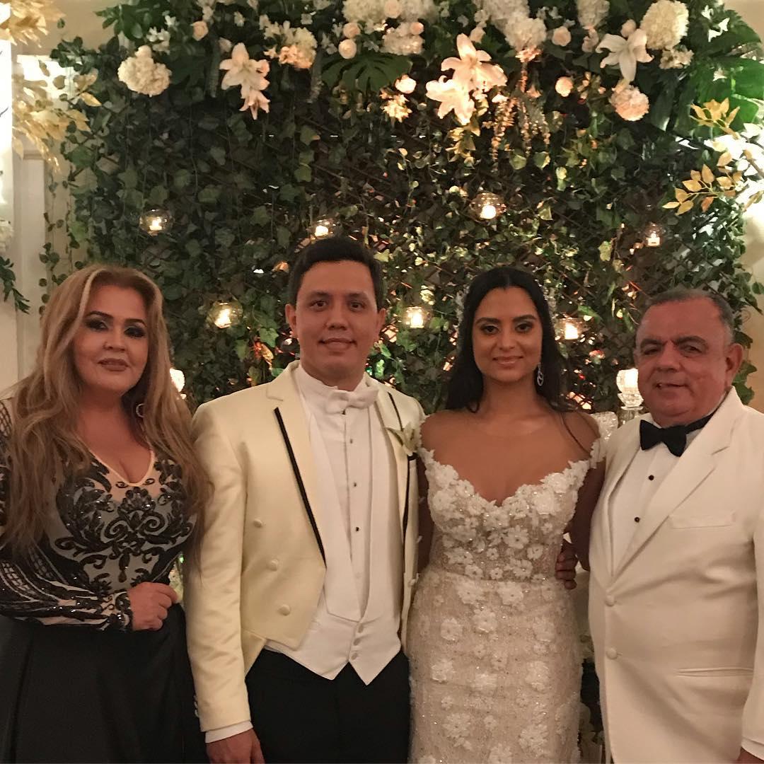 Muitos parabéns e bênçãos pelo casamento Stephanie Bossio & Albert ...