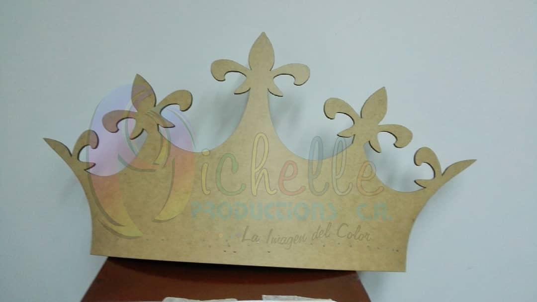 #cortelaser #mdf #detail #regalo #innovando # criança # girl # decoração #corona #re ...