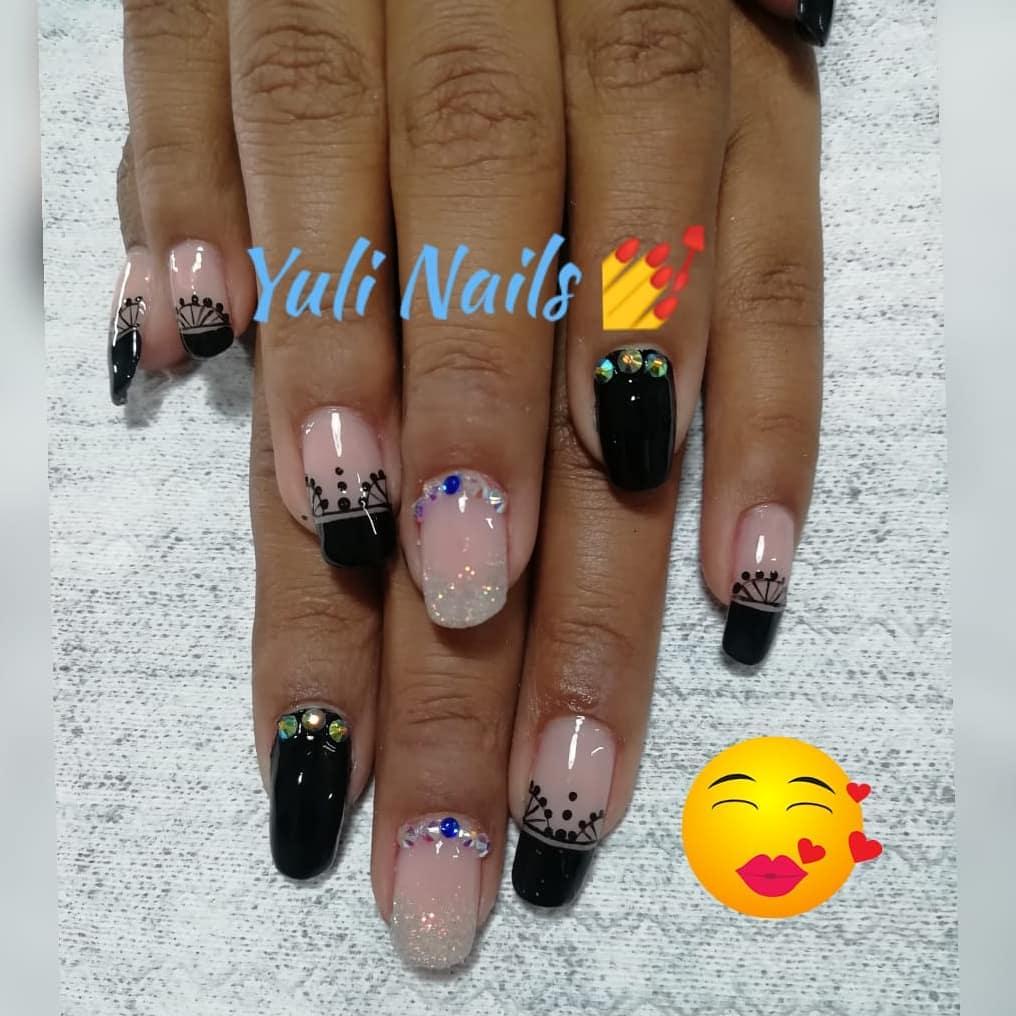 Esmalte tradicional #nails #nailsalon #nailartist # decoraciondeuñas # uñascolomb ...