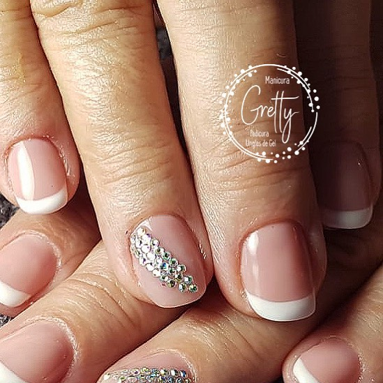 #bridalnails # decoraciondeuñas #frenchmanicure #gelnails #gelpolishnails #grett ...