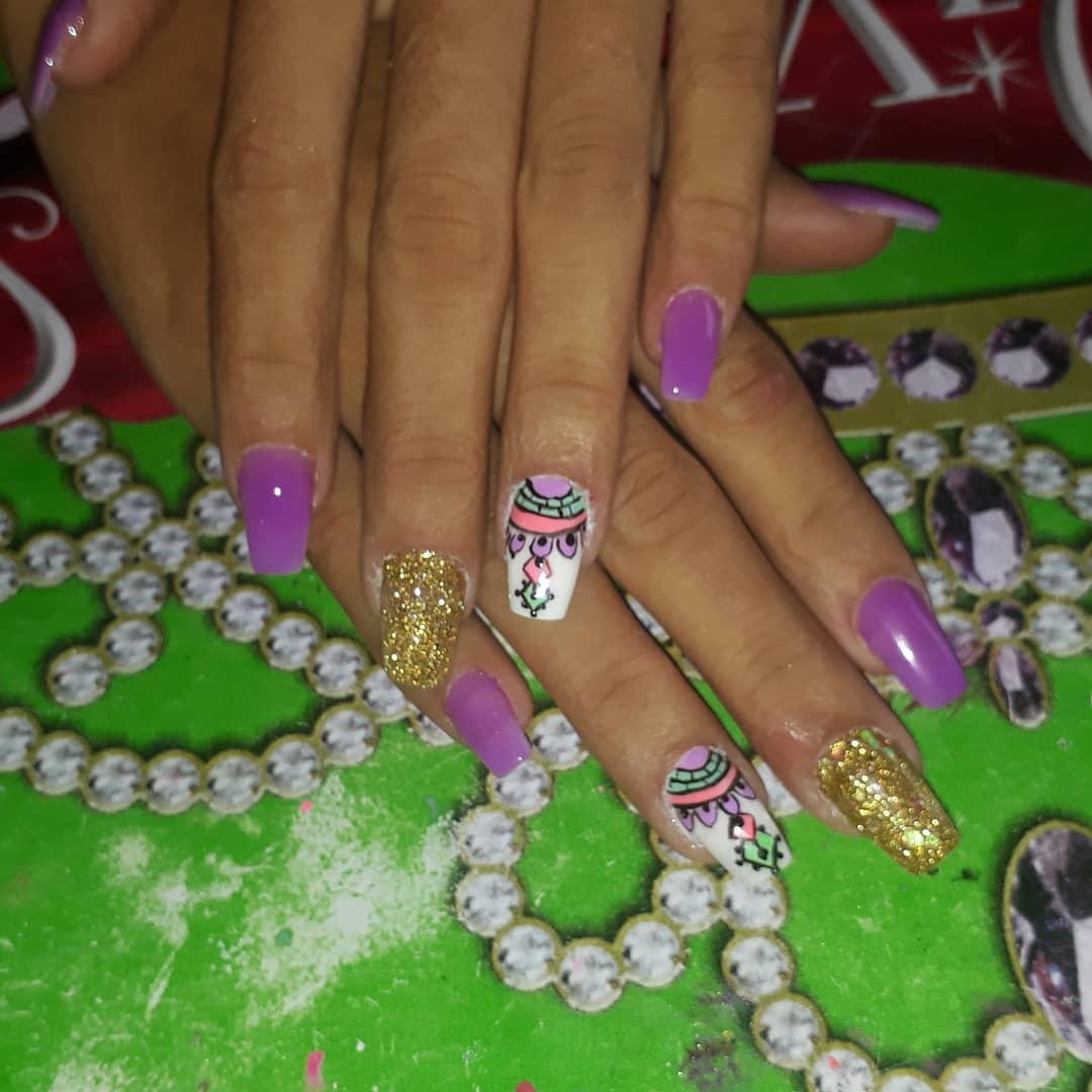 Agradar nossos clientes. . # unhas # decoraciondeuñas #manicure #manos # ...