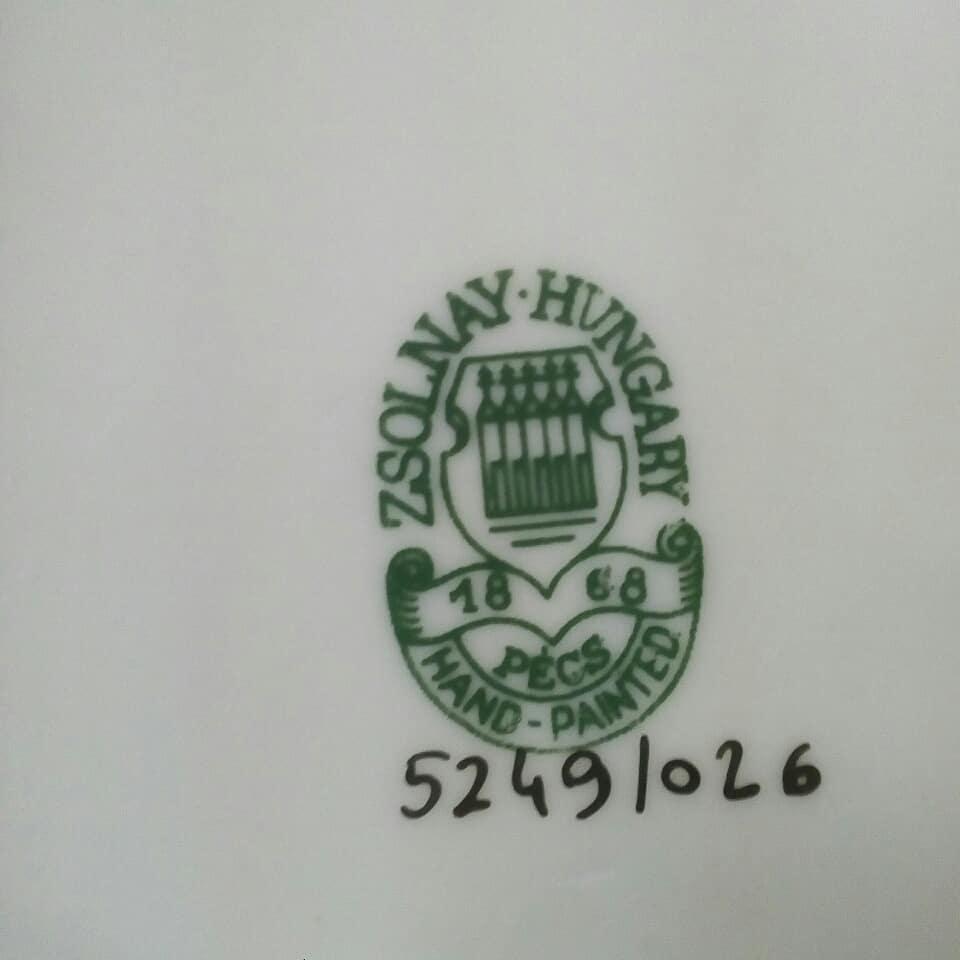Porcelana Zsolney  Altura: 7 cm Largura: 13 cm  #recipiente #figura #porcelana #porc ...