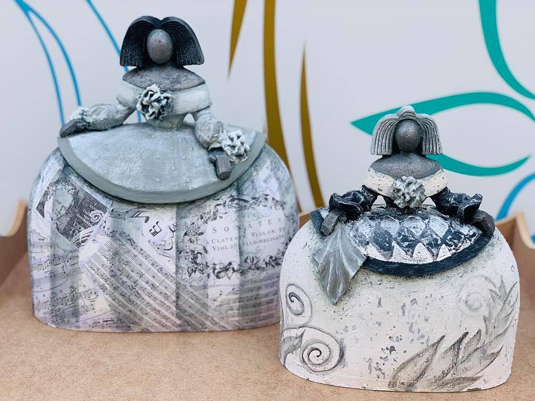 Figuras de #marmolina decoradas por Encarna com diferentes pastas e texturas em ...