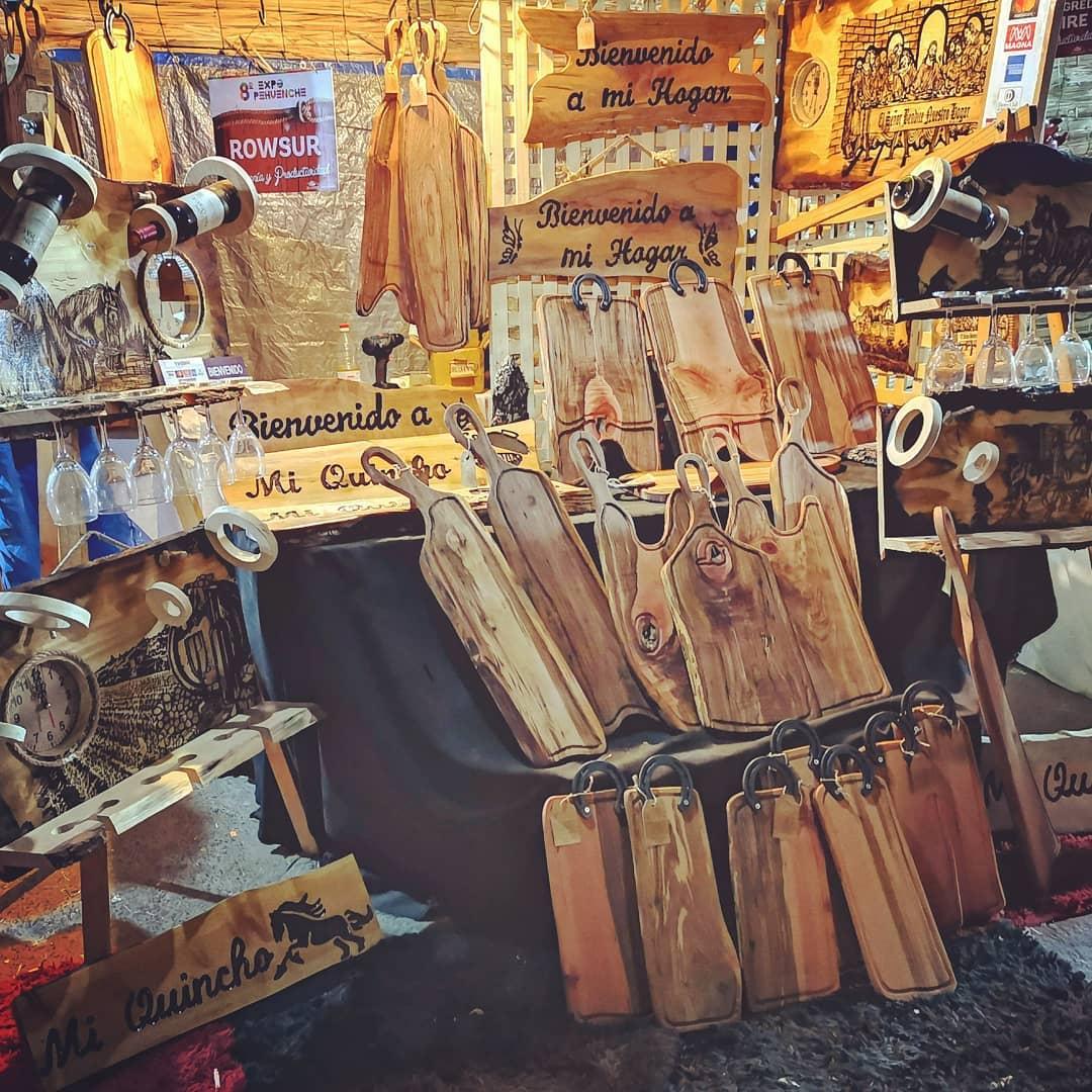 Exposição lugar expo pehuenche #rowsur #artesania #caballo #tallado #mader ...