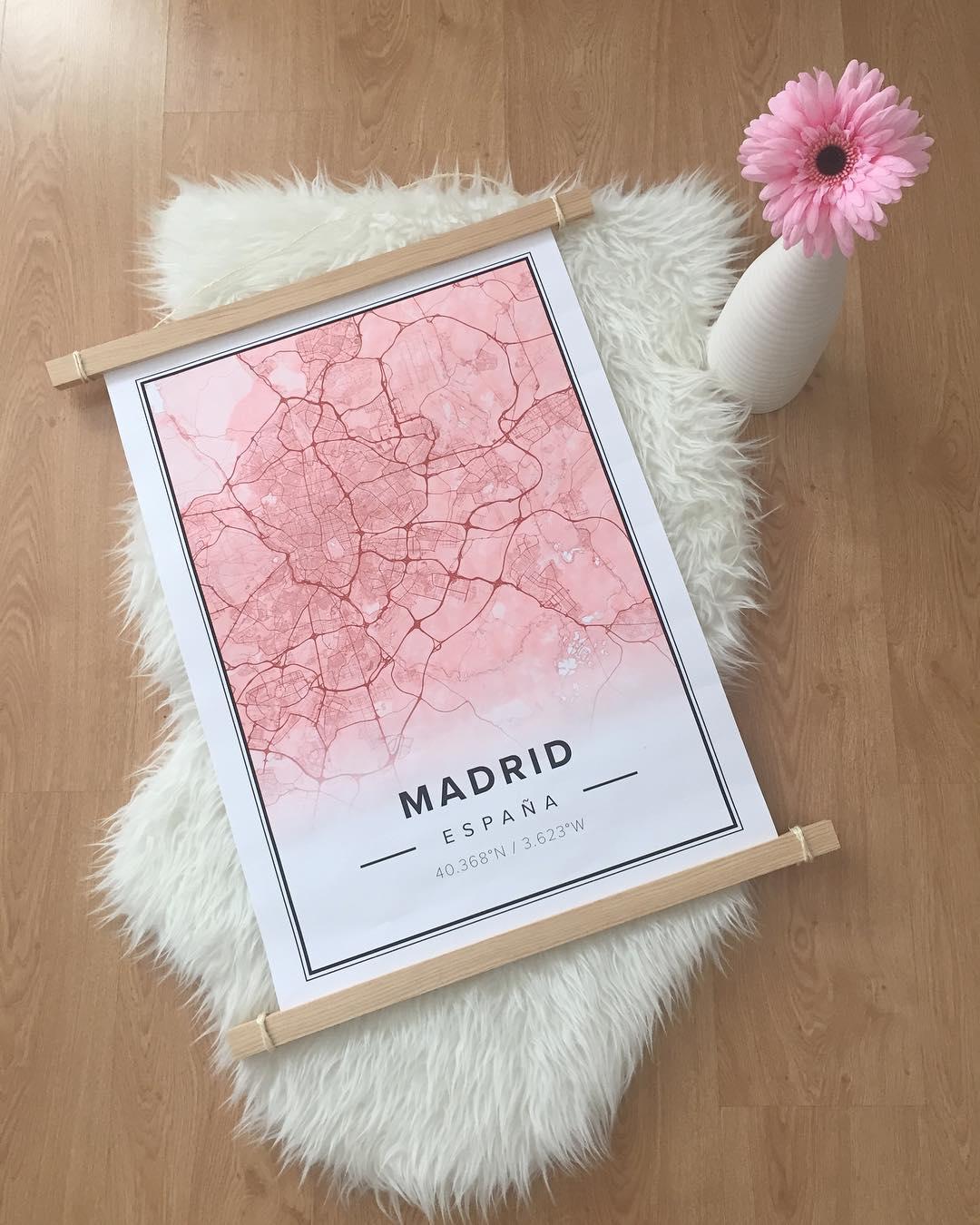 . Sabado . Vamos dizer que eu estou falando sobre Madrid . Eu amo meu mapa de @mapiful Existem ...
