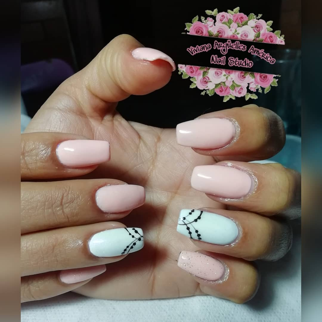 Revestimento acrílico em unhas naturais + esmaltagem semipermanente  #nails # ...