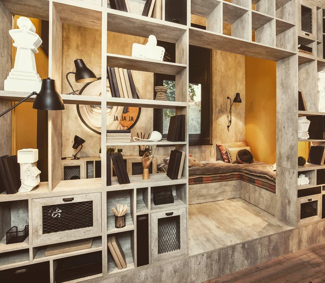 Especializado em design de interiores e arquitetura - em particular, em equipamentos ...