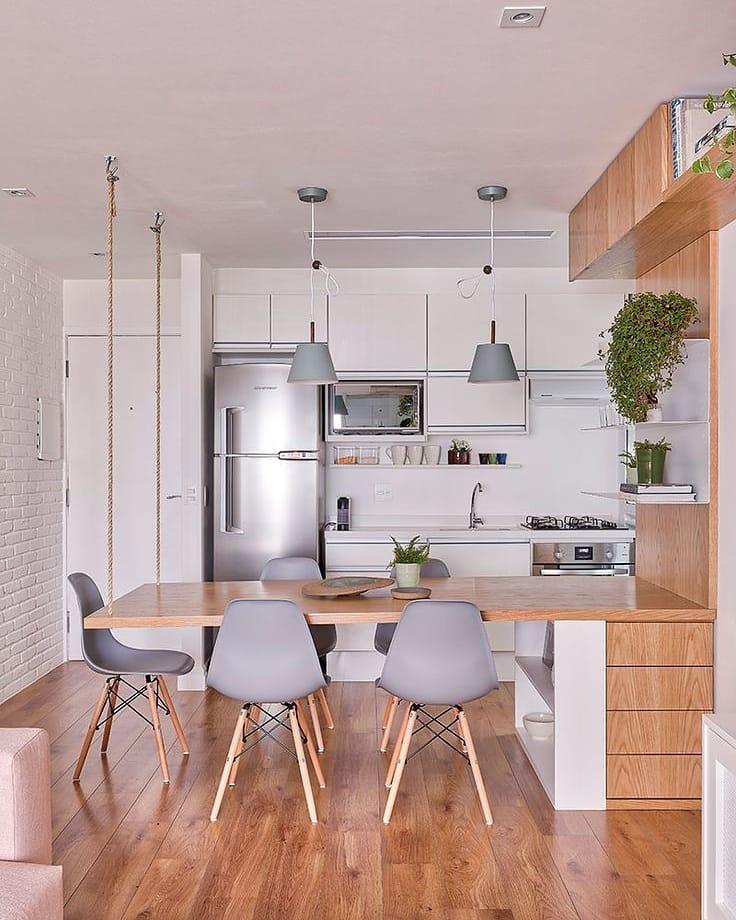 Cor de madeira na decoração o que acham? . . . . . #madeira #piso #cozinha #move...