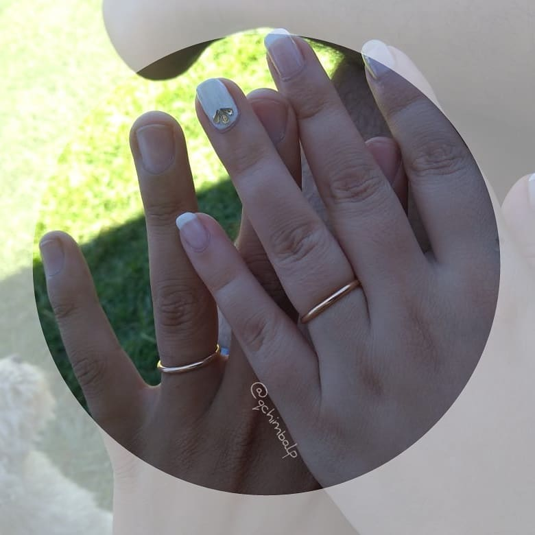 """• ● Beleza de mãos com esmaltação semipermanente ● • """"French & White"""" • Detalhe superior ..."""