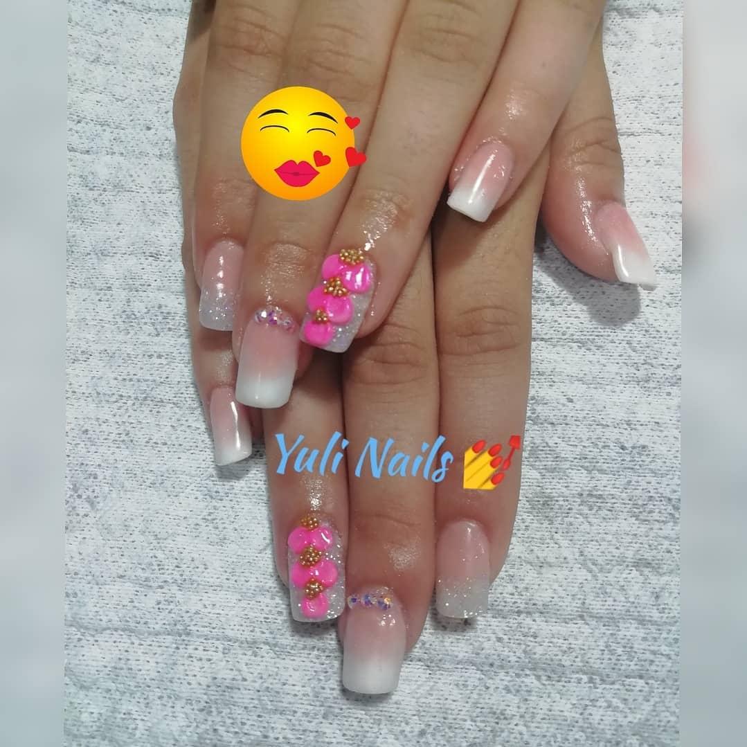 Acrílicos, baby boomer e design 3D #nails #nailsalon #nailartist #decoraciond ...