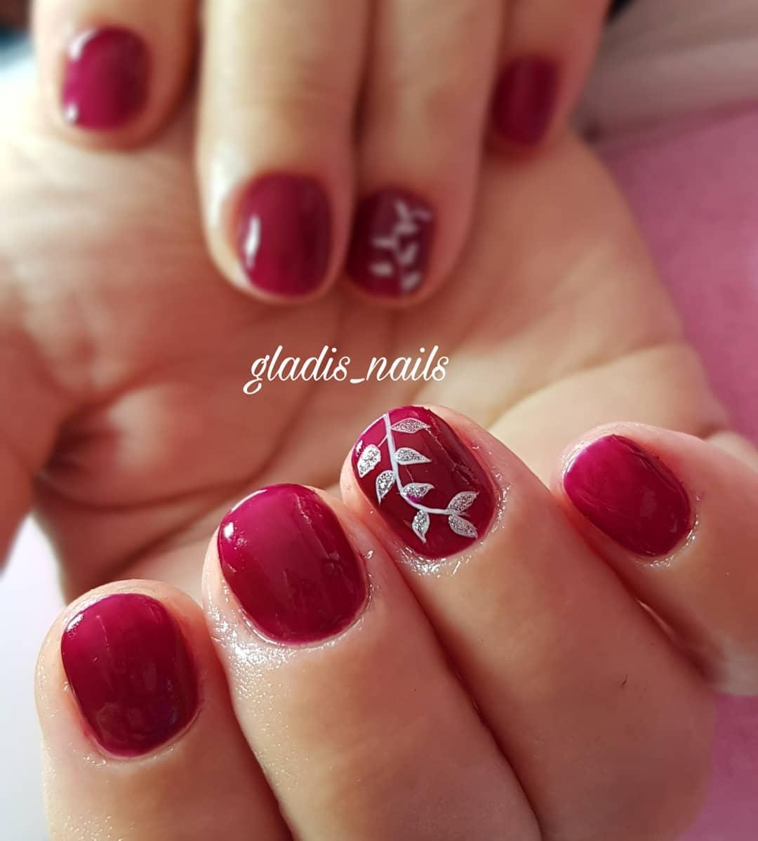 Solicite sua consulta em: @beti_marti_estetica_holistica   #nailsnailsnails # uñastarr ...