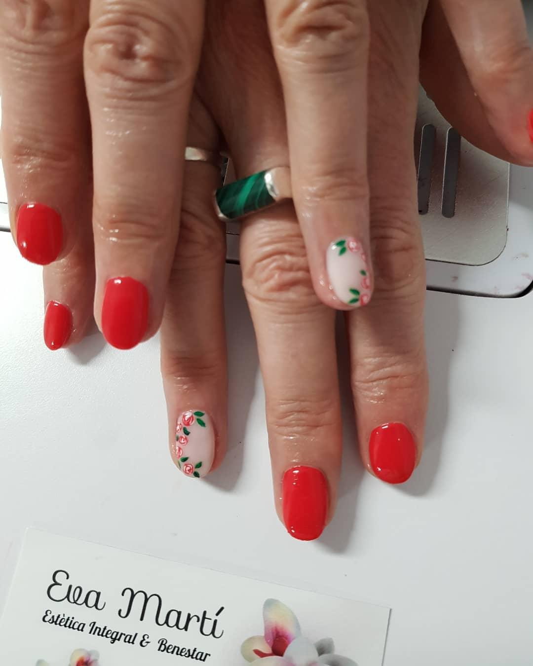 Veja que esse vermelho me apaixona #nails #coloresqueenamoran #manicurasmolon ...