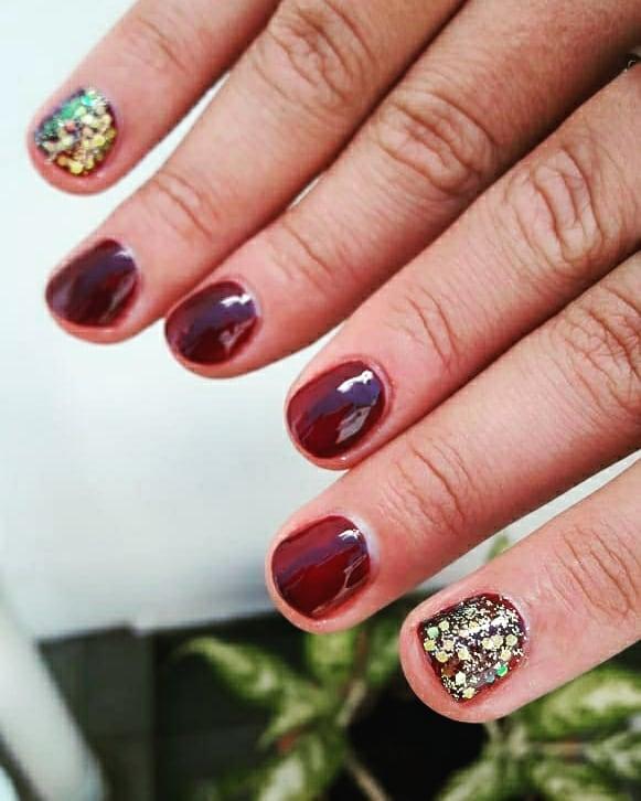 Vidraça semi-permanente Com Deco !! . . . . Suas unhas são lindas por 15 dias ...