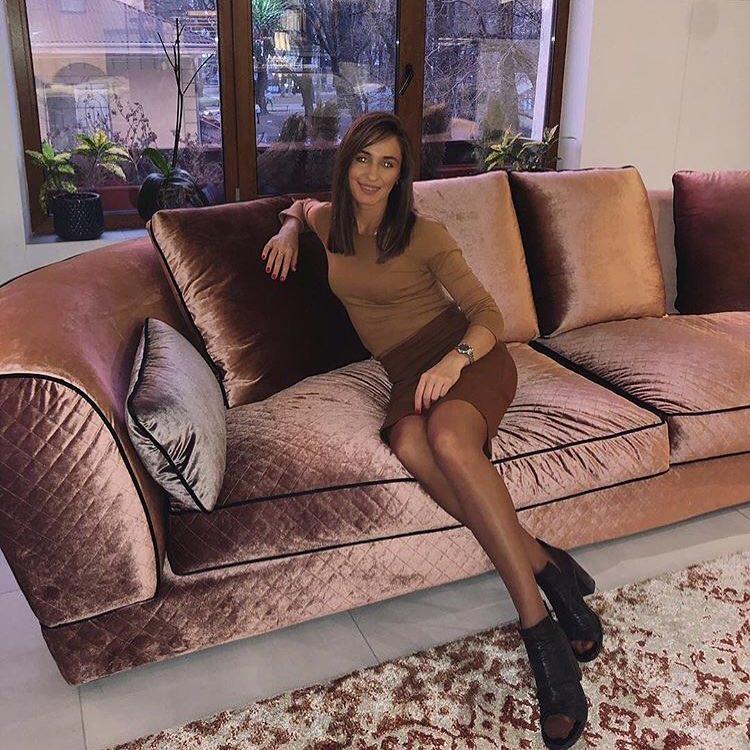 • Nosso cliente @ efir.design acaba de receber seu sofá 1726. Graças a @iuliiak ...