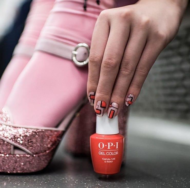 Porque a moda não é apenas usada em roupas, mas também em unhas. Esmalt ...