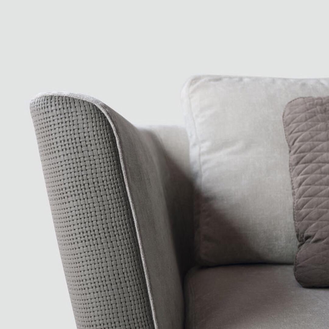 • O extraordinário em detalhes requintados. • • • #sofa #tecninova #deluxe #sofa #a ...
