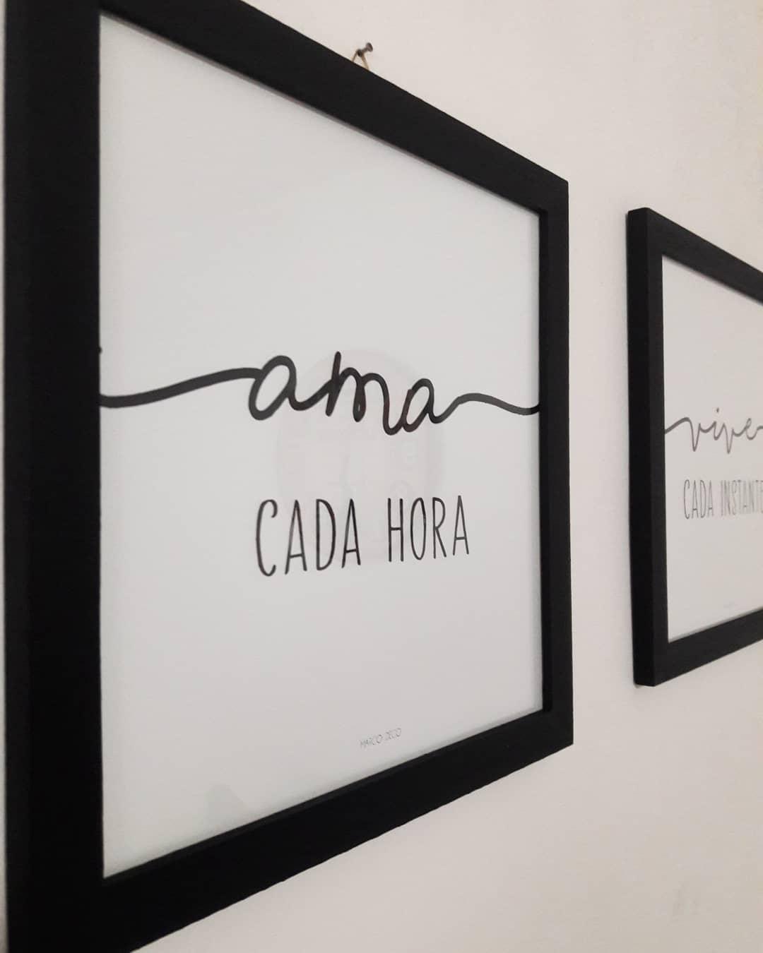Fotos com frases Decore seus espaços Mede 30x30cm com moldura preta #frame ...