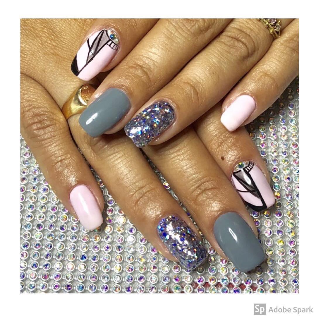 lindas unhas de @ kamiquiroga.b esmaltado permanante Com lindo brilho de um ...