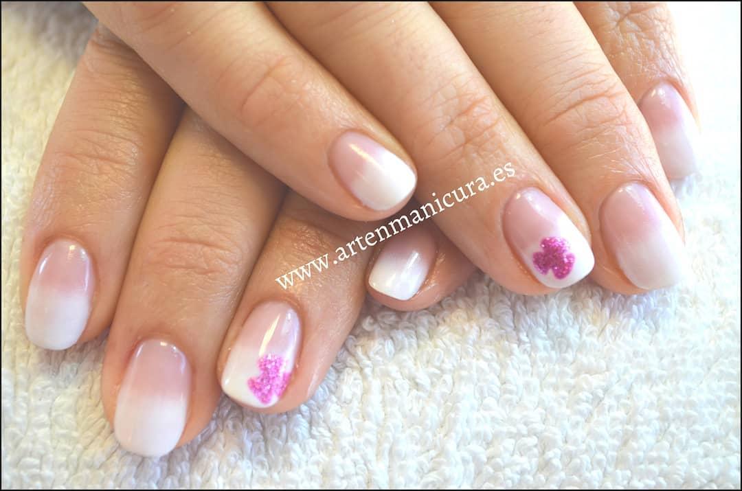 Bom Dia. Feliz quinta-feira.  #manicura #pedicura #manicuraspa #pedicuraspa #manos ...
